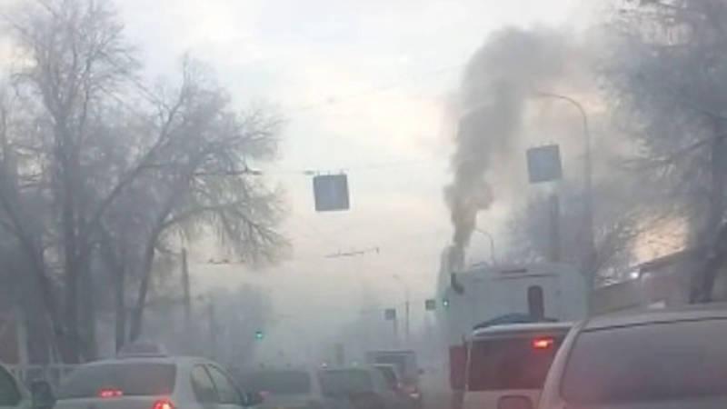 В Бишкеке аварийная машина загрязняет воздух, - горожанин
