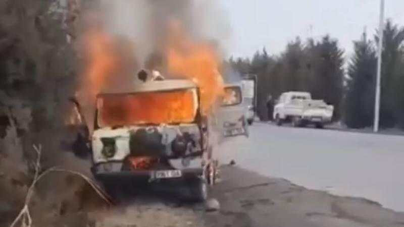 В Оше сгорел «УАЗ-Буханка». Видео
