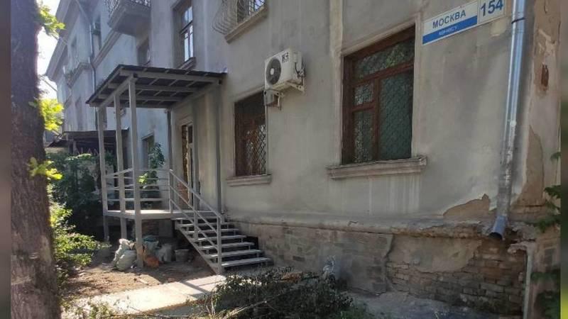 Законно ли сделан вход через окно в доме по адресу ул.Московская? - горожанин