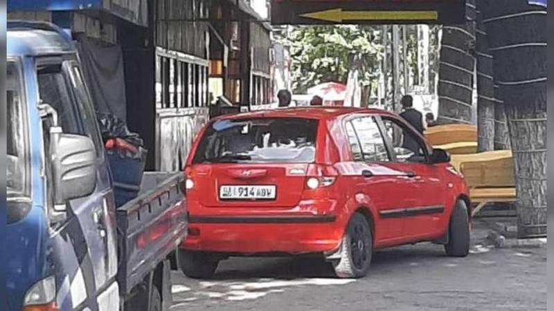 На Жибек Жолу-Абдрахманова водитель авто заехал на тротуар