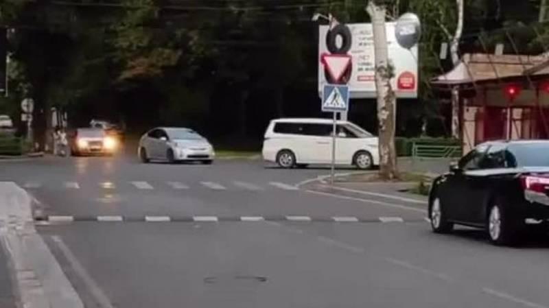 Законно ли на Джантошева установили лежачий полицейский? Видео и фото