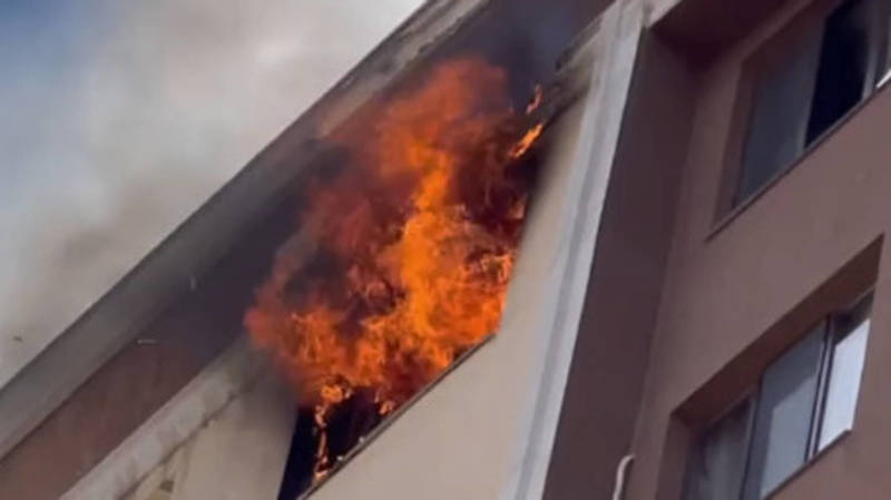 Пожар в жилом доме на окраине Бишкека: Поджог устроил квартирант из-за мести. Видео