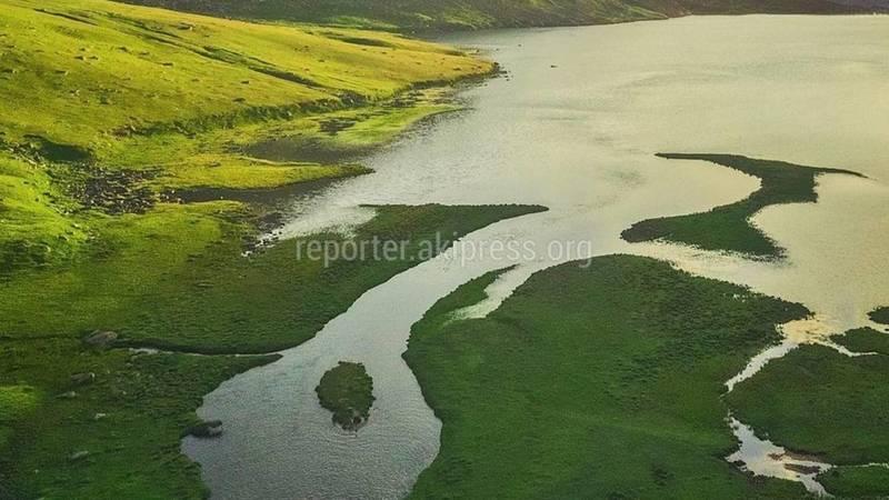 Волшебный снимок озера Беш-Таш в Таласской области