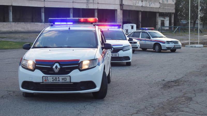 В Бишкеке произошла авария с участием патрульной машины