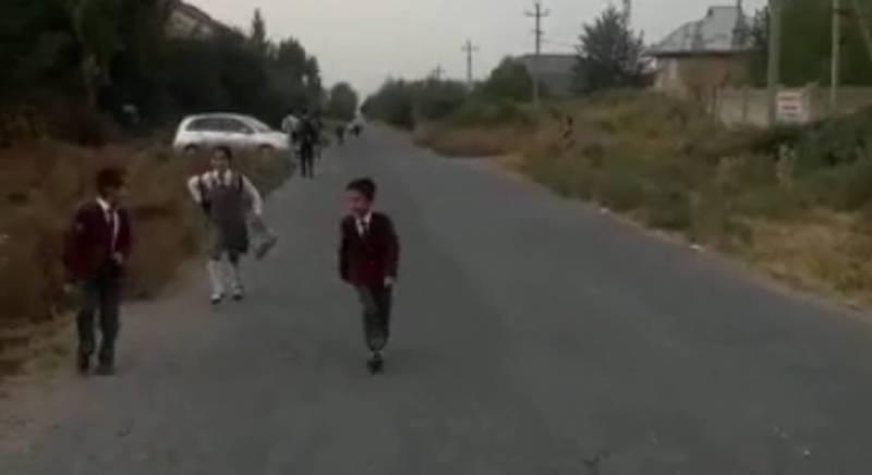 В Жалал-Абаде в мкр Спутник нет тротуаров