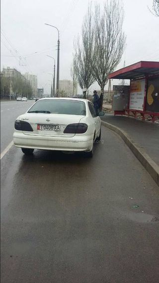 Парковка на остановке в мкр Джал