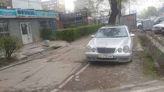 Парковка на тротуаре на Гоголя-Московской