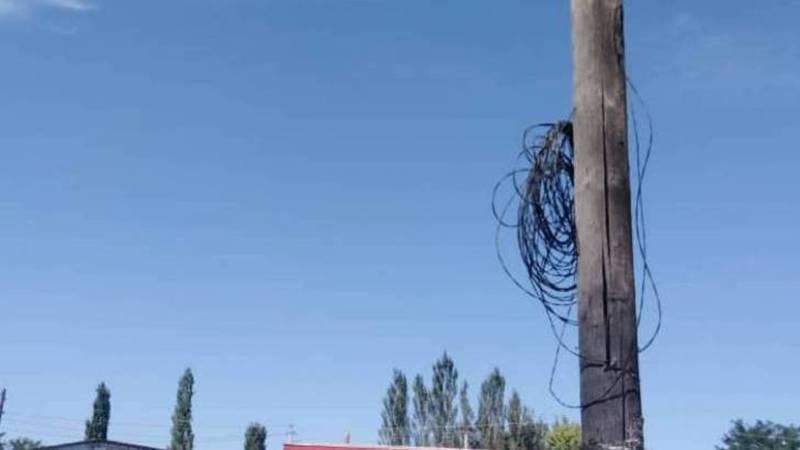Дорожные работники оборвали телефонный провод, - жительница села Романовка Оксана