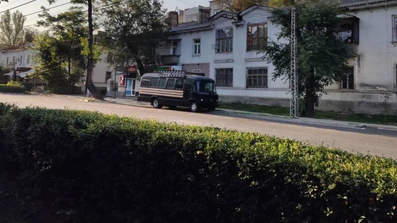 Законно ли на ул.Московской стоит передвижная точка по продаже фастфуда? - горожанин