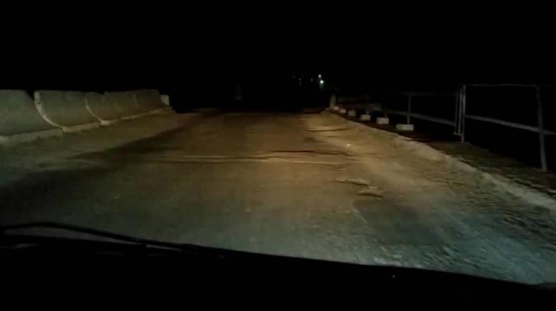 Водитель жалуется на дорогу в селе Ивановка. Видео