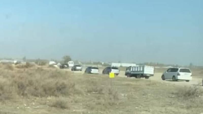 Десятки машин объезжают пробку в Сокулуке через поля, - водитель