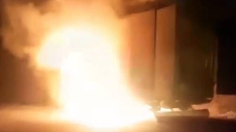 На перевале Ала-Бель загорелась фура. Видео