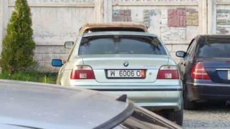 В Бишкеке замечен BMW 523 с перевернутым госномером. Фото