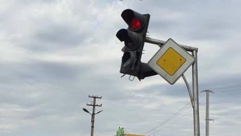 В центре Сокулука разваливается светофор, – житель