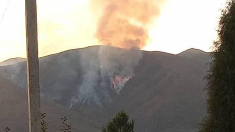 В Сокулуке горят горы. Фото
