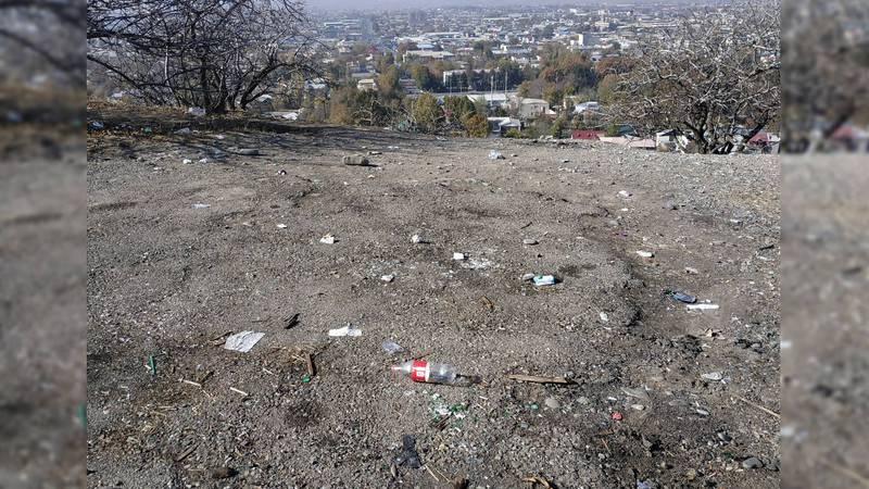 Стыдно перед иностранными туристами за мусор возле целебных источников на горе Аюб-Тоо, - читатель