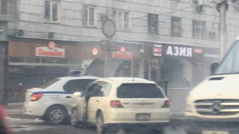 На Чуй-Манаса произошло ДТП с участием милицейской машины (фото)