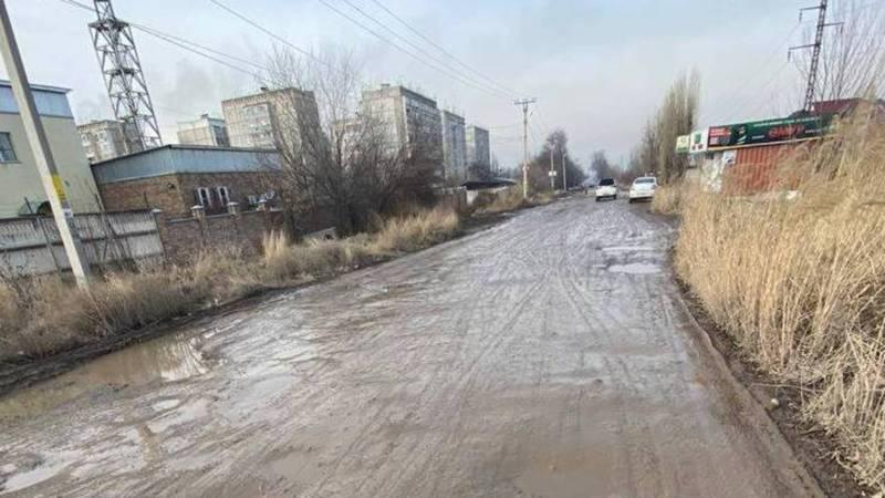 Жительница жалуется на состояние улицы Ауэзова в жилмассиве Өскөн-Ордо