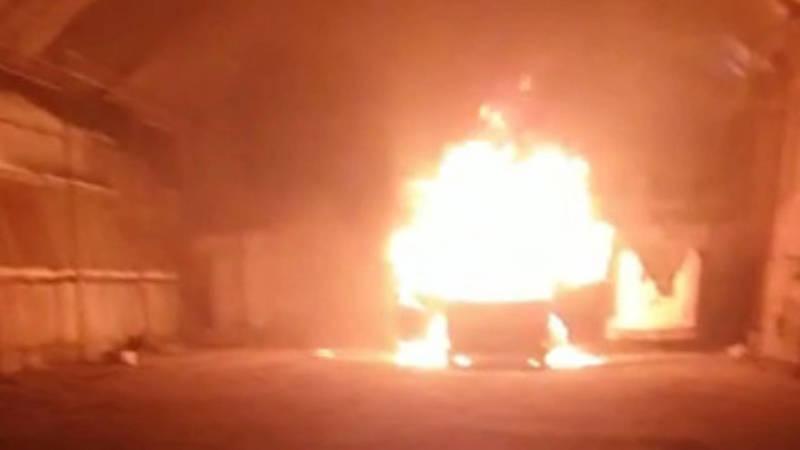 На складе на Кулиева сгорел бус с товаром из России, - очевидец