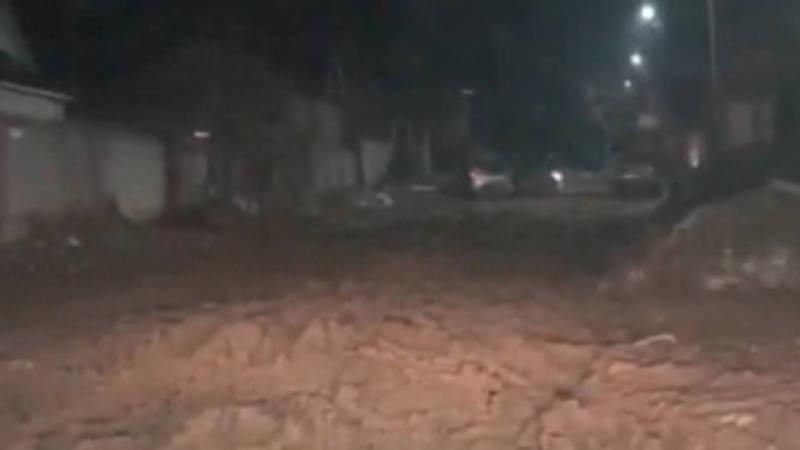 Житель Алтын-Ордо жалуется на состояние дороги. Видео