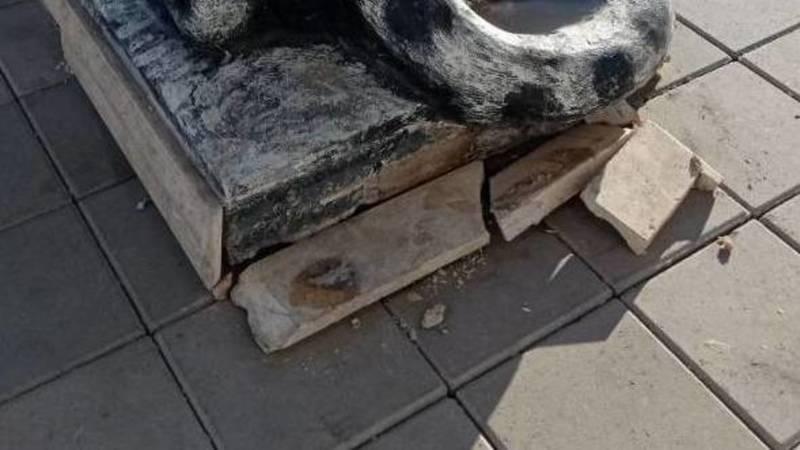 Парк «Ынтымак» начинает разваливаться, - бишкекчанин. Фото