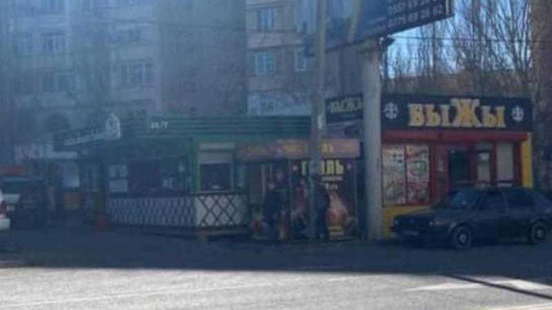 Законно ли на ул.Нуркамал стоят павильоны? Фото горожанина