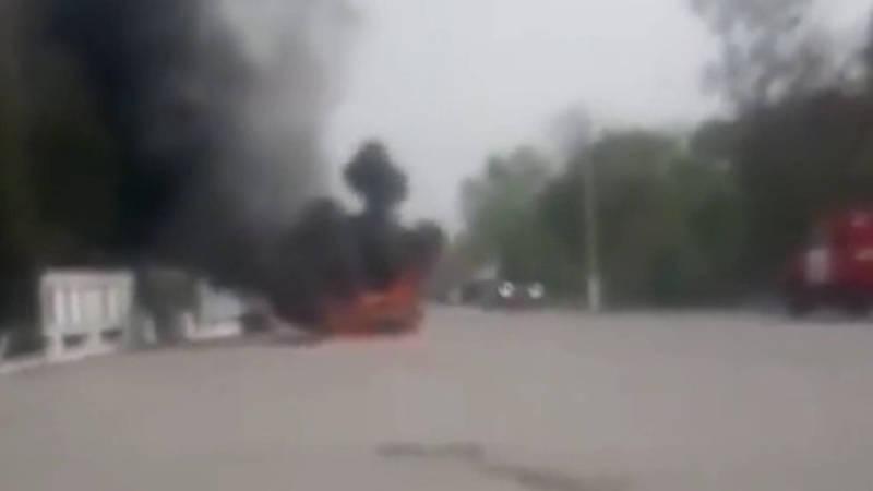 В Ноокене загорелась машина. Видео