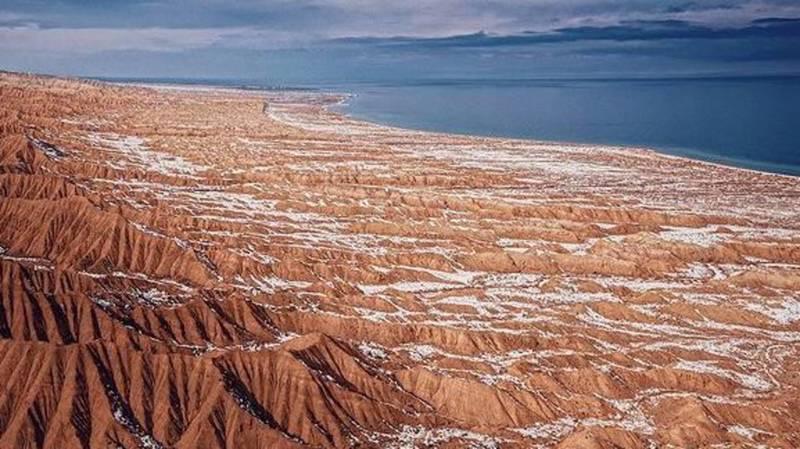 Невероятная красота каньона Ак-Сай. Фото