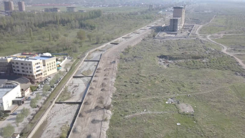 Какая дорога строится вдоль реки Ала-Арча в районе Южной магистрали? - бишкекчанин. Видео