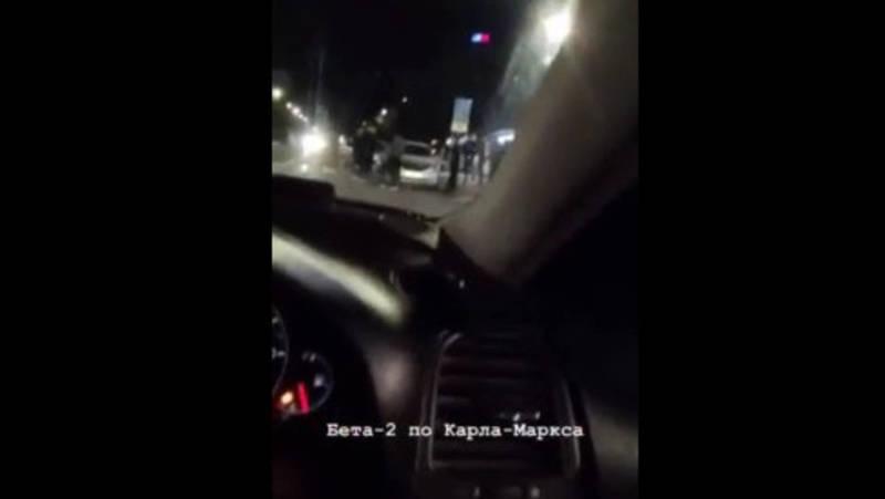 На пешеходном переходе в Бишкеке столкнулись две легковушки, одна из них машина «Яндекс Такси»