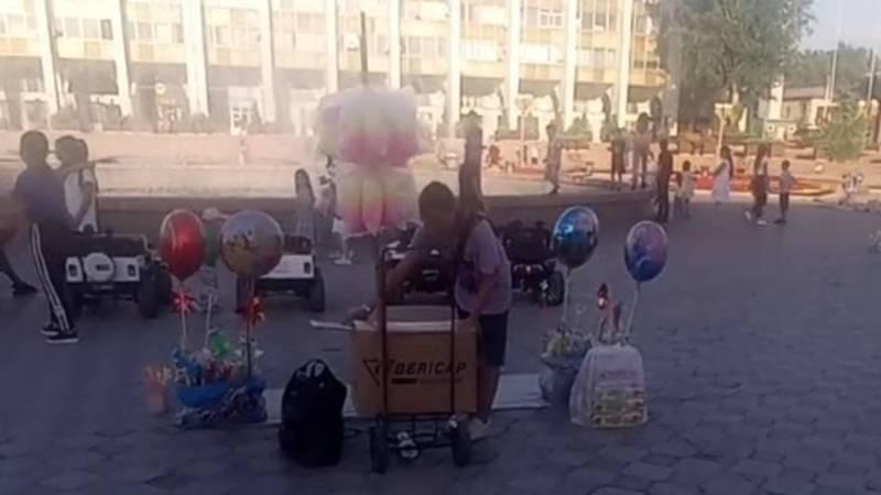 Площадь Ала-Тоо стала базаром? Фото горожанина