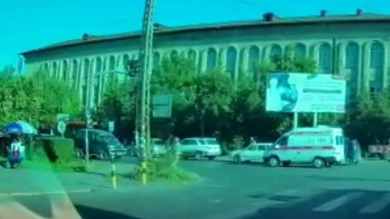 На Ахунбаева образовалась пробка, - горожанин (видео)