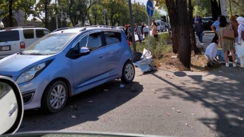 Возле ШВК столкнулись две машины. Фото