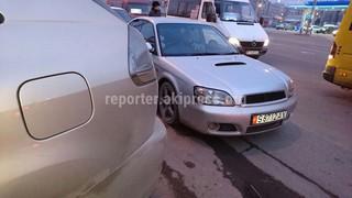 Владелец авто 2 февраля бросил машину и ушел в мечеть, тем самым заблокировал выезд.