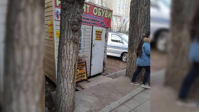 Как выяснилось, павильоны на ул.Гоголя не демонтированы, а переставлены. Бишкекчанин возмущен неверным ответом мэрии