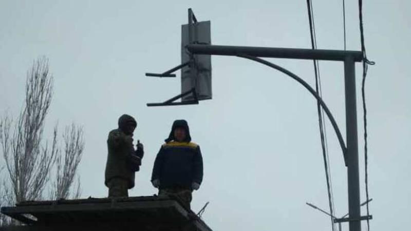 Светофор на Горького-Панфилова был восстановлен бригадой СМЭУ ГУОБДД. Фото