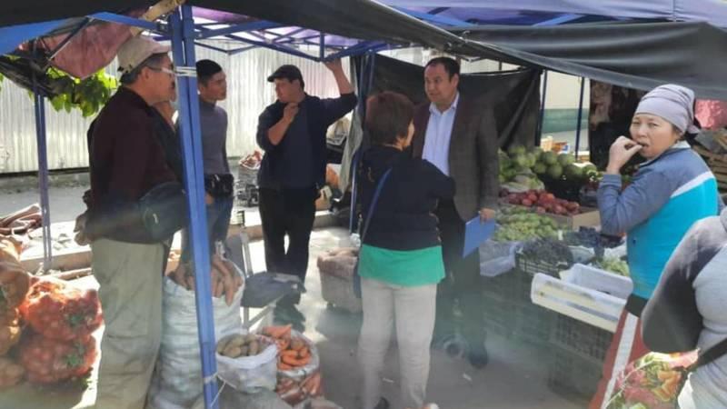 Стихийная торговля на ул.Ауэзова будет ликвидирована, - мэрия