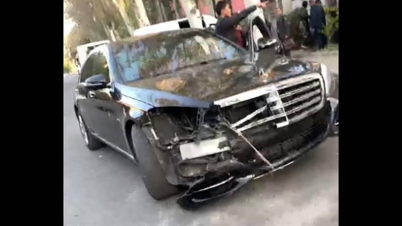 Машина Атамбаева доставлена к МВД. Видео