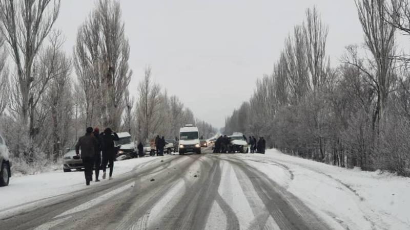 На трассе Балыкчы—Каракол произошло ДТП с участием буса, - очевидец