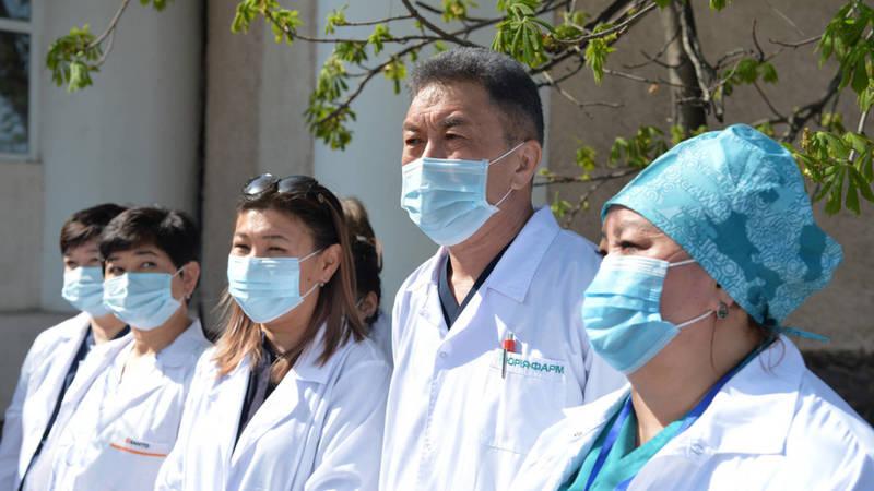 Семейные врачи «благодарят» Минздрав. Эксперт по доказательной медицине Барыктабасова показала квитанции о зарплате