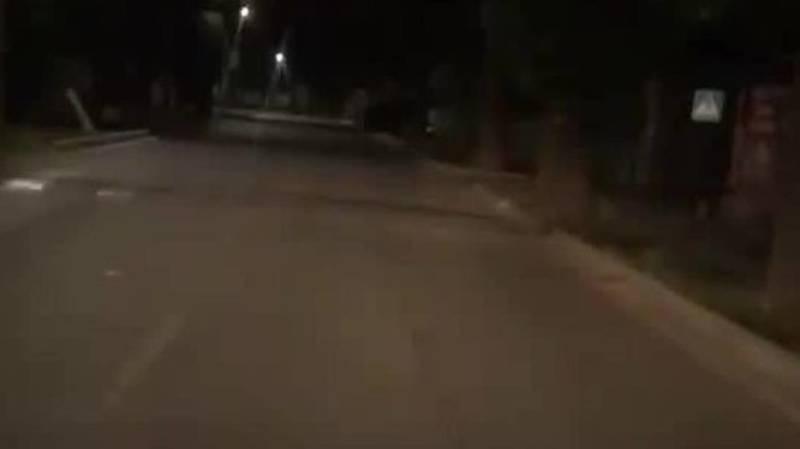 На ул.Кайназаровой нет знака о лежачем полицейском. Видео