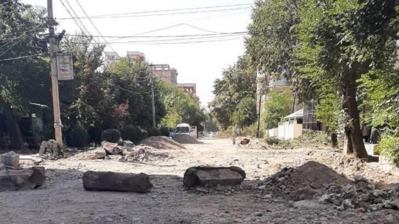 Когда закончится ремонт улицы Абдумомунова? - бишкекчанин