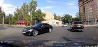 Проезд на красный сигнал светофора на Жаманбаева-Токтоналиева