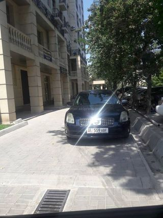 Парковка на тротуаре на Горького-Тыныстанова