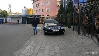 Парковка на тротуаре ул.Ибраимова