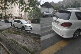"""Парковка на """"зебре"""" на ул.Боконбаева возле школы №70"""