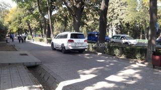 Парковка на тротуаре на Чуй-Логвиненко