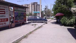 «Водитель каждый день нагло паркует свой автомобиль прямо на остановке в 5микрорайоне по Карла-Маркса», - прислал горожанин 6 мая.