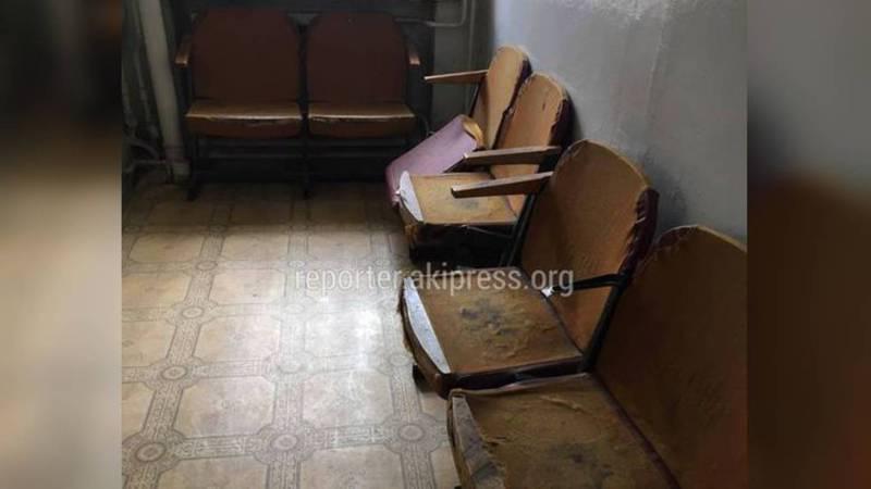 Социальный фонд прокомментировал истертые кресла в Ленинском горуправлении
