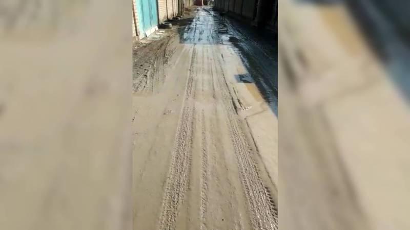 Житель жилмассива Учкун требует восстановить дорогу на ул.Путейской после проведения газа. Видео